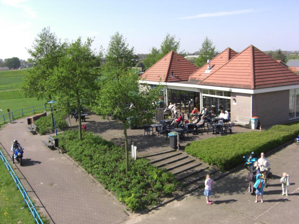 Aerfotos Eethuisje De Veerstoep, Waalbandijk, Ochten, NL, 2009-04-18