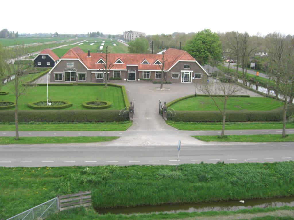 Aerfotos Kinderdagverblijf De Blauwe Muis en De Wickelhof, Oosterlandweg 16(a), Mijdrecht, NL, 2009-04-19